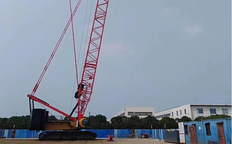 250吨履带吊