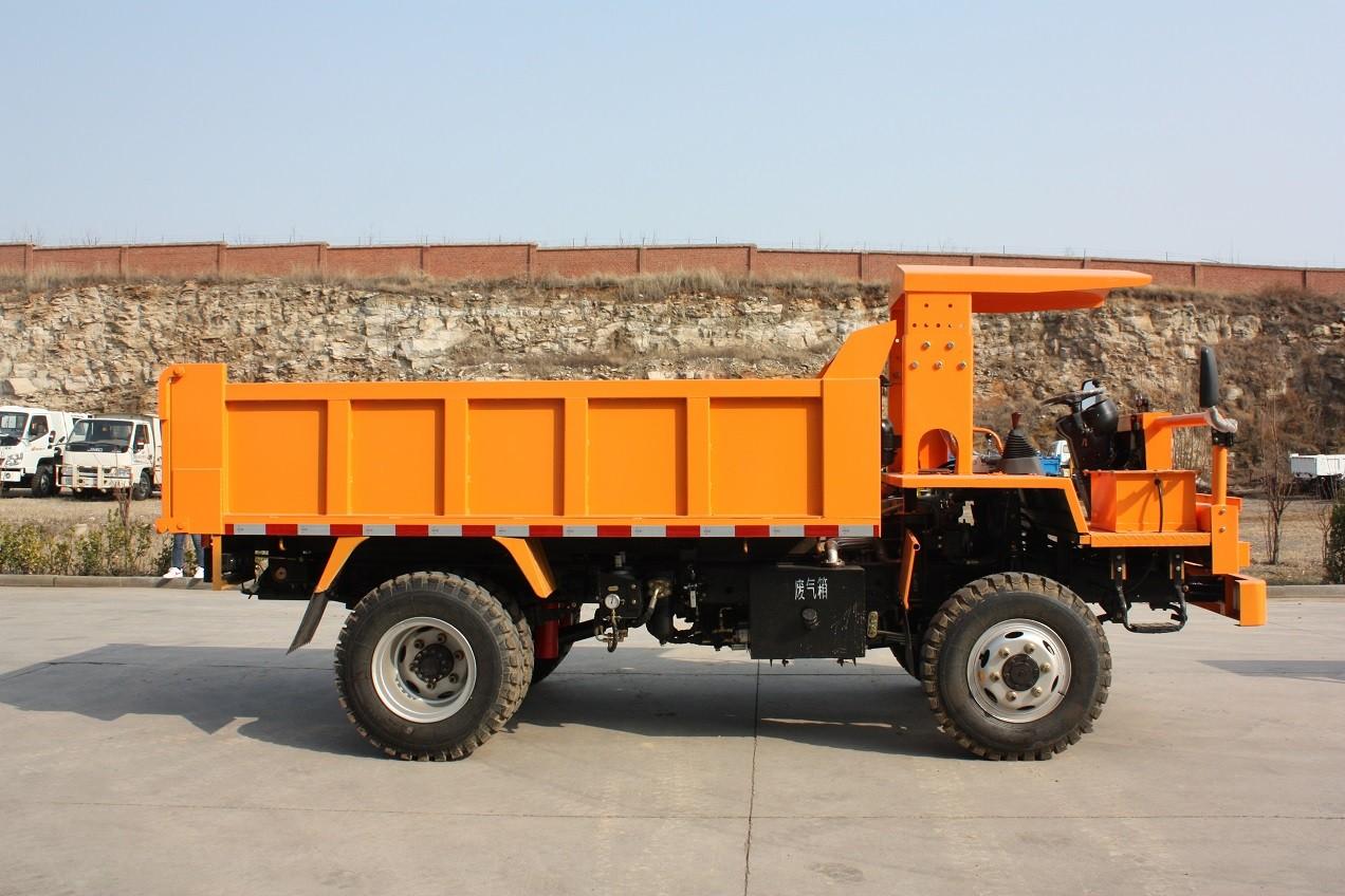 矿山运输车
