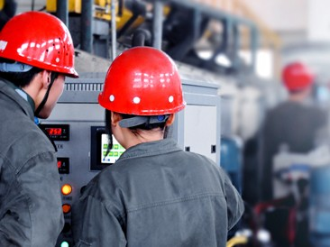 为切实做好消防安全工作,预防各类消防事故发生,提升新员工安全意识及应急处置能力,4月13日对新员工进行消防知识培训。