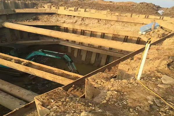 使用福建拉森钢板桩作为基坑支护的优势有着什么特点呢