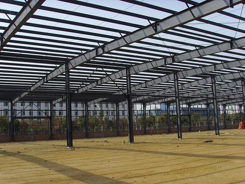 四川易通钢结构在眉山西部药谷工厂施工现场