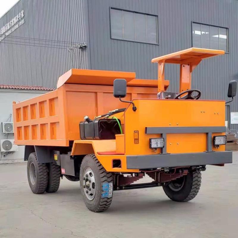 """这""""巨无霸""""拖车,承重可达1000吨,专在矿区里拖矿车"""