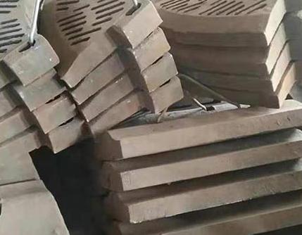 鄂板用什么材质以及热处理工艺好呢