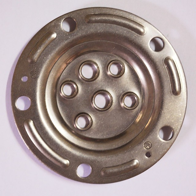 用于金属加工冲压的机械设备
