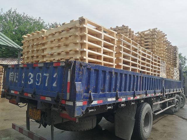 木托盘发货装车