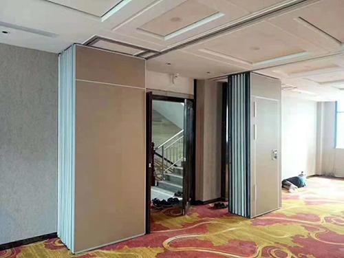 如何选择夹层玻璃活动隔断墙?