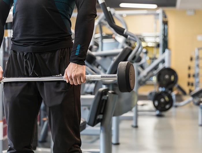 杠铃训练的动作结构与大部分运动较为相近