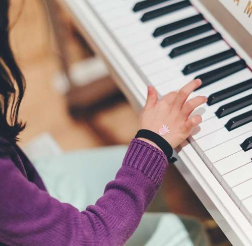 钢琴师资培训对于具有钢琴水平的老师也很重要