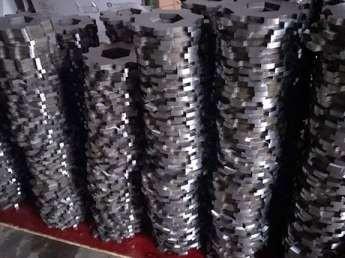 废旧轮胎行业适合什么材料的撕碎机刀片