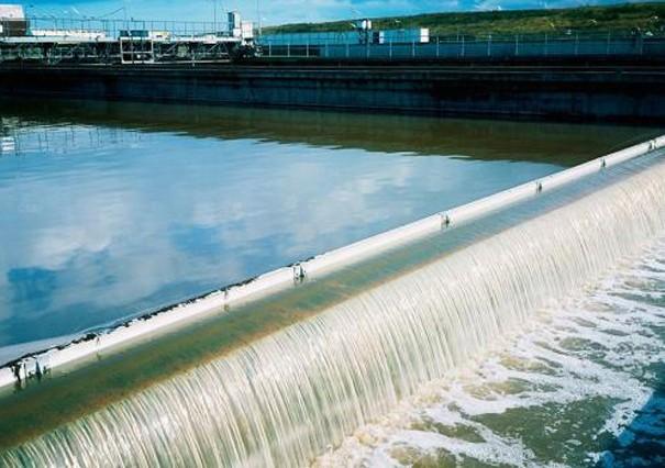 选择一体化污水处理设备应该考虑哪些因素