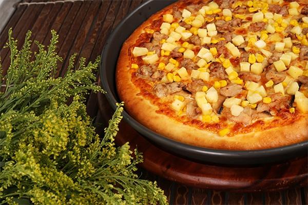 烤土豆鸡肉比萨