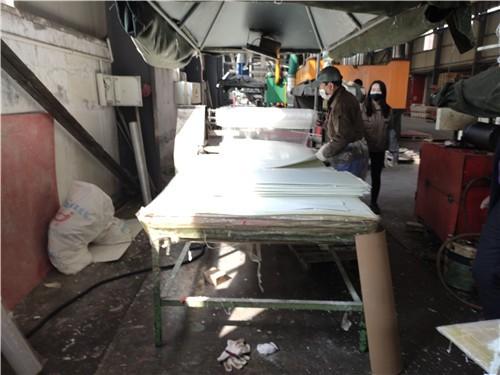海宸玻璃钢外壳生产车间