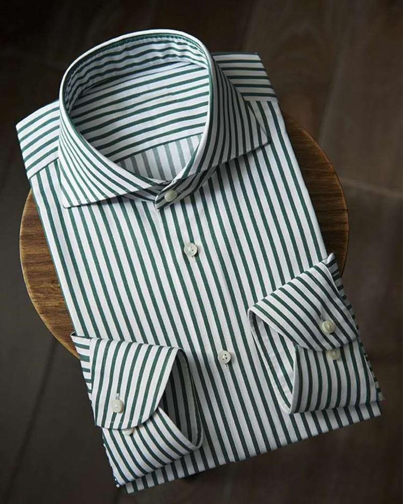 绿白条纹衬衫