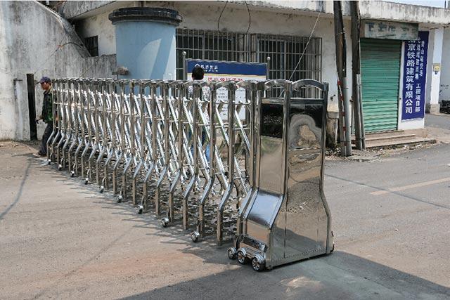 黄山货运站-不绣钢无轨电动伸缩门