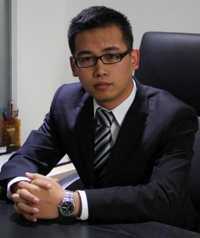 刘律师 执业18年,擅长建筑工程,公司法务,刑事辩护