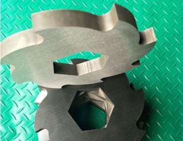 撕碎机刀片的硬度和压力如何