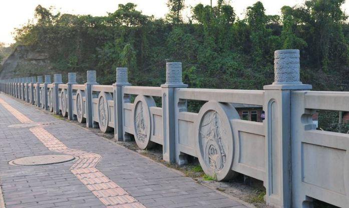 铸造石护栏怎么安装