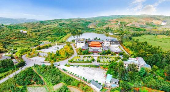 云南昆明青龙艺术陵园
