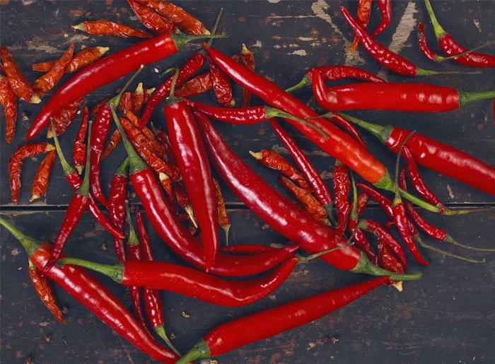 四川香辣酱厂家教您如何去除辣椒中的辣味