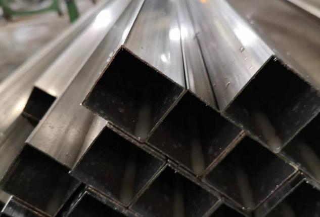 所有西安不锈钢管厂的原材料都是一样的吗?