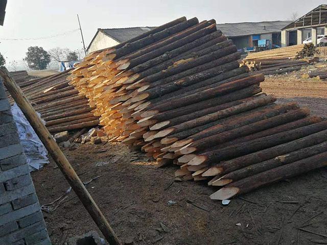 防腐木护栏在冬季的保养措施