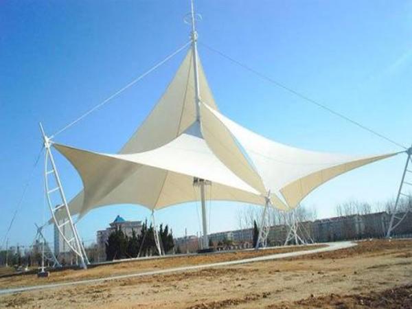 膜结构设施的抗风能分析