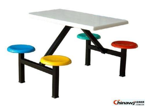 餐饮餐桌椅定制如何找合适餐饮厨具厂家