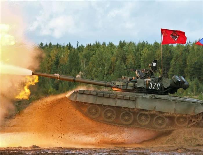坦克只能携带几十颗炮弹,如果打完了怎么办?