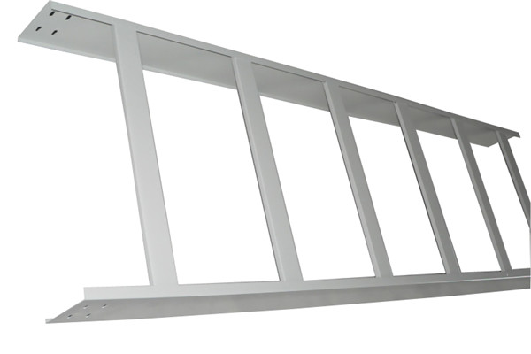 梯级式桥架生产