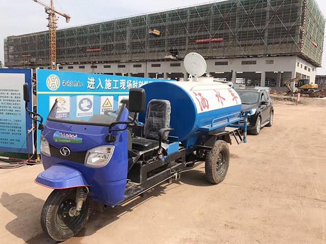 2吨柴油洒水车