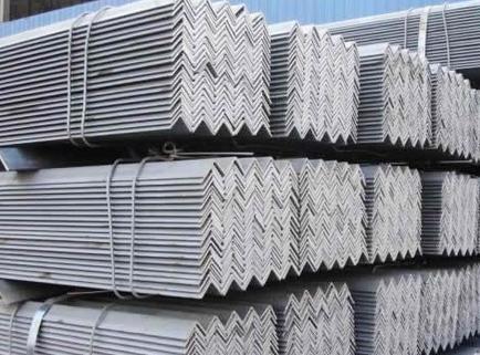 在购买西安不锈钢角钢时需要注意哪些事项?