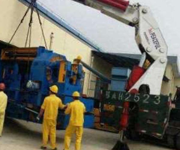 呼和浩特市300吨吊装机械租赁价格