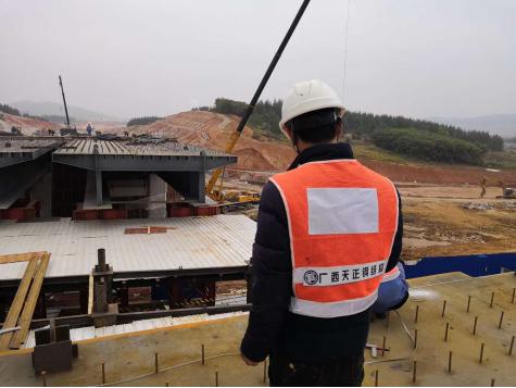 天正力量——绽放柳东新区管廊钢箱梁工程