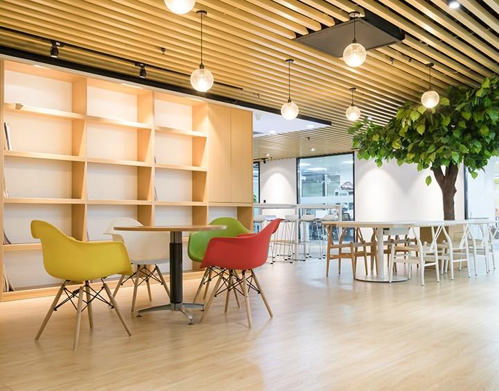 办公家具定制与成品家具比较哪个好?怎么选?