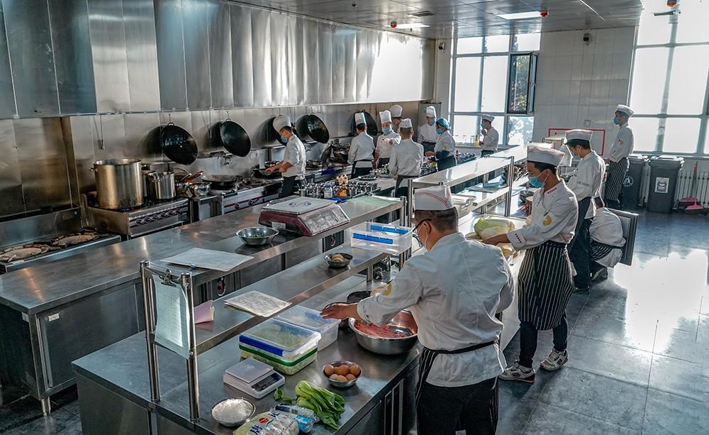 汇能厨房对你说酒店厨房设备保养规章制度