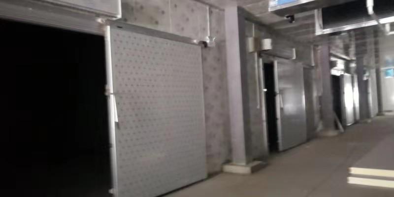炎热的夏季我们该选择空气能热泵制冷还是用空调更好呢