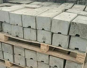 重混凝土压重块模具紧固件质量