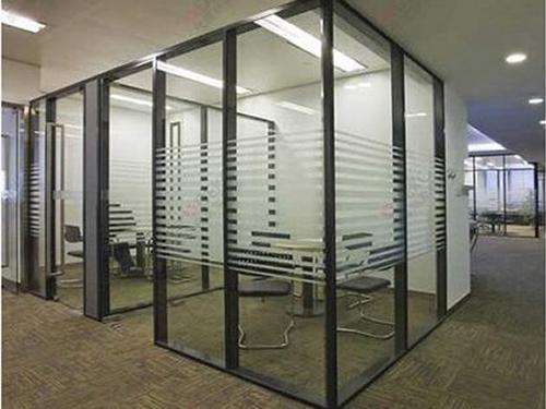办公玻璃隔断有哪些新颖设计?