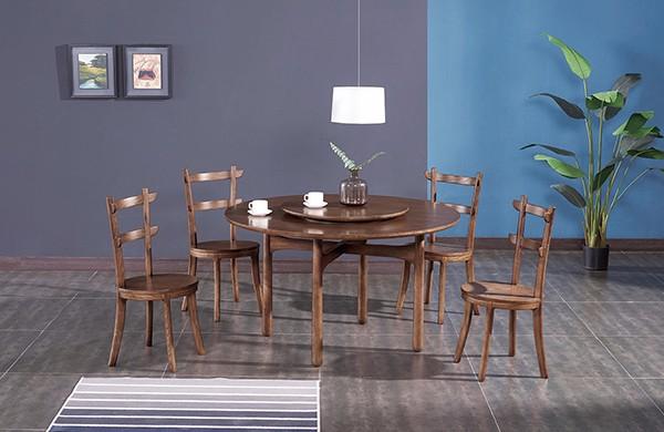 实木圆形餐桌
