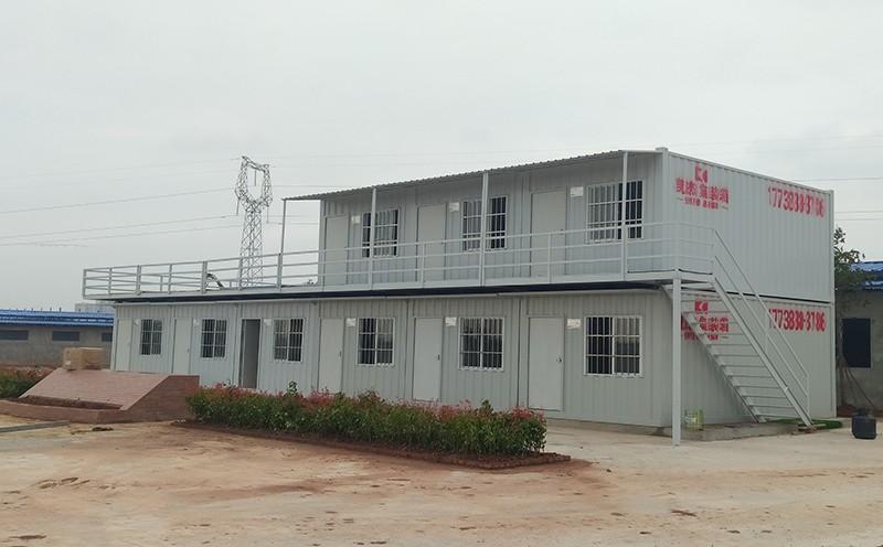 凱杰住人集裝箱公司與眉山彭山某在建工地簽訂住人集裝箱租賃協議