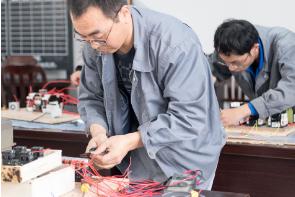 海阳化纤员工技能大赛增活力