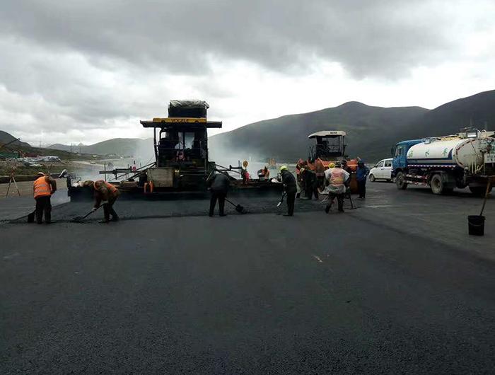 西藏林拉高速4600高海拔施工