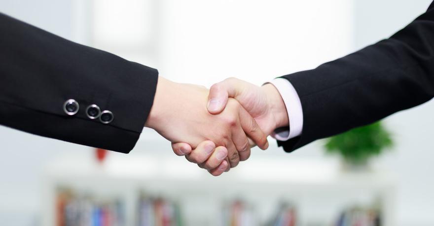 注册公司适合自己办理还是找专业的代办公司办理?