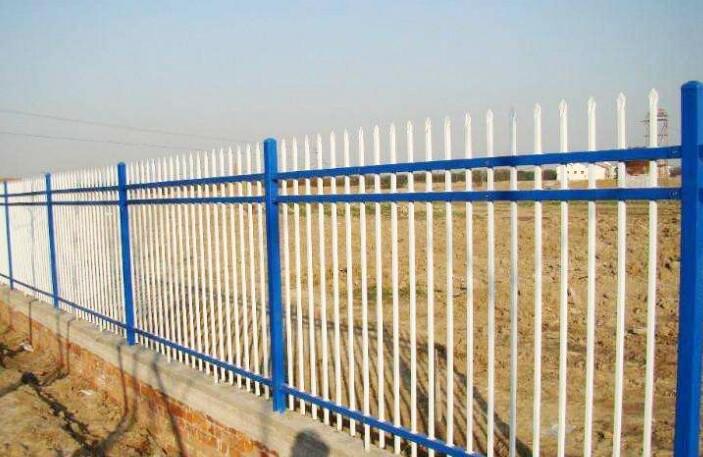 铁艺三横杆围栏
