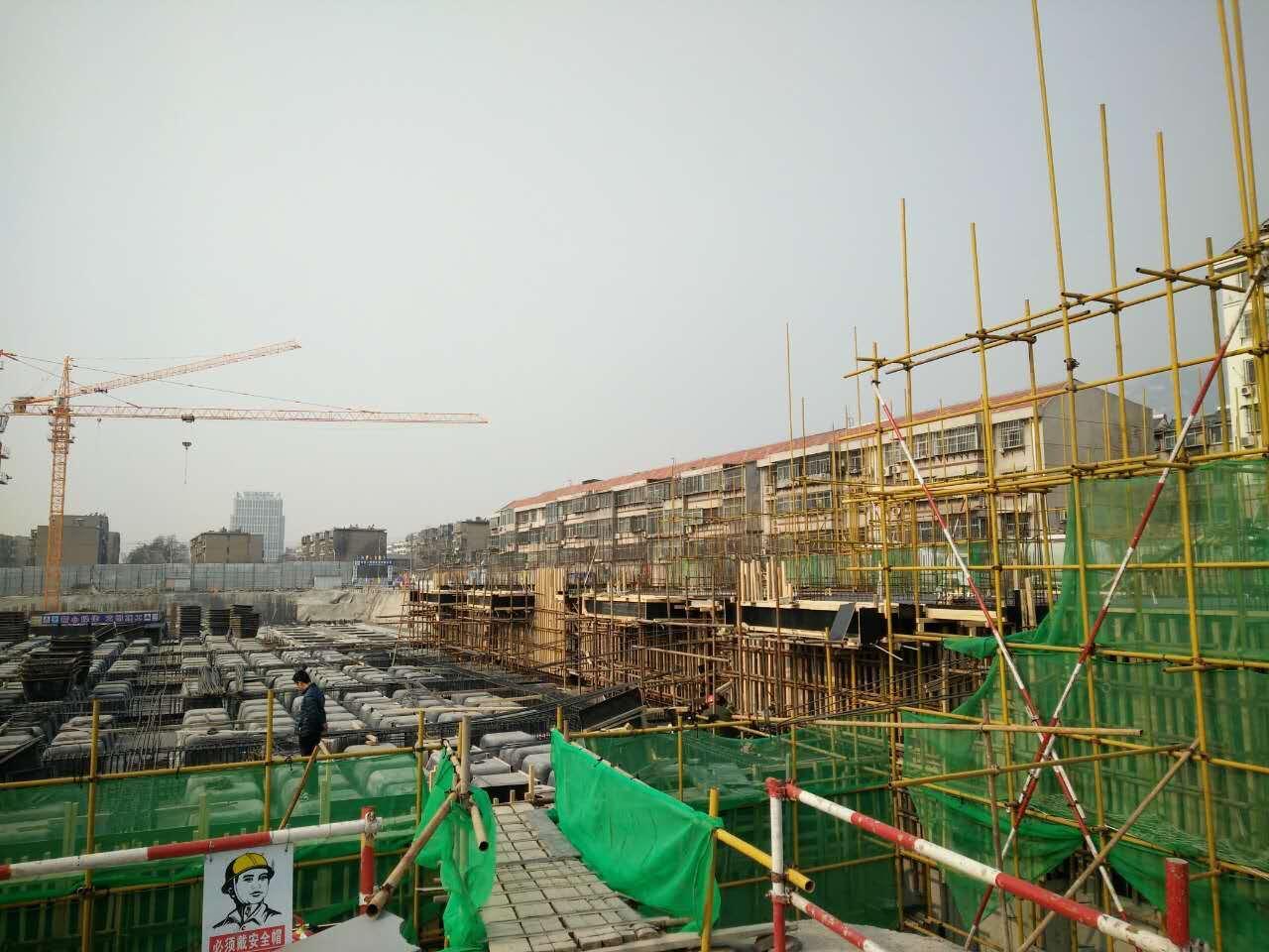 建筑塑料模壳支架立杆的构造要求
