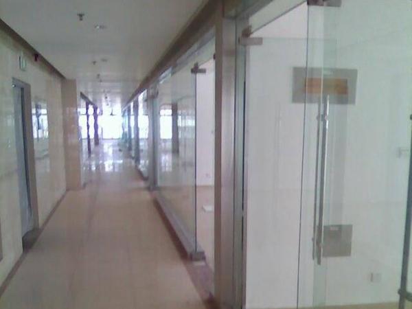办公玻璃隔断按照高度是怎么分类的