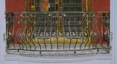铁艺护栏保养方法