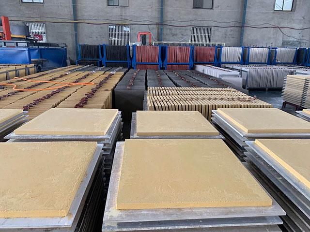 PC仿石砖工厂环境