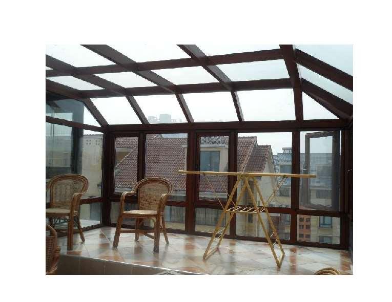 别墅阳光房门窗的安全性受到保障