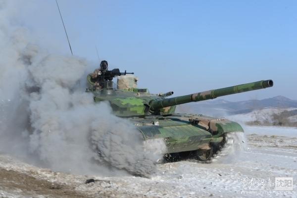 中国99式坦克装高能激光武器